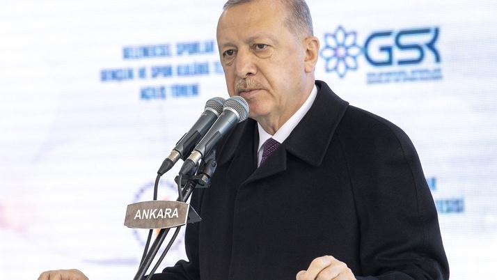Cumhurbaşkanı Erdoğan, amatör futbolcuların sorunlarını dinledi