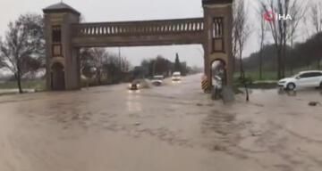 Edirne'de şiddetli yağış hayatı olumsuz etkiledi!
