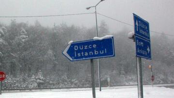 İstanbullular dikkat! Valilik ve Meteoroloji'den peş peşe kar uyarısı