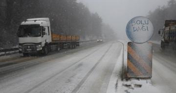 Bolu Dağı'nda kar yağışı etkili oluyor!