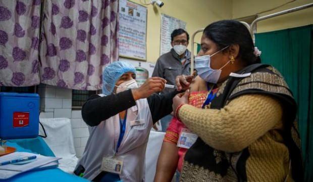 En büyük aşı üreticisi Hindistan'ın aşıları tükeniyor