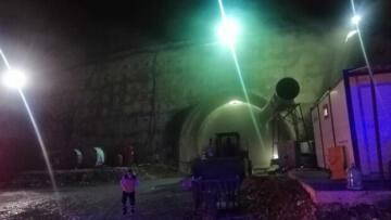 Mersin'de tünel inşaatında yangın! Dumandan etkilenen 8 işçi hastaneye kaldırıldı